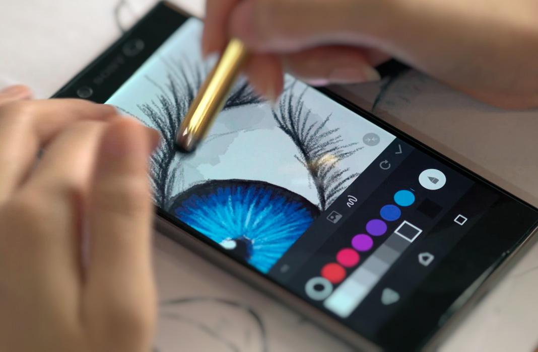 эти картинки которые можно нарисовать на телефоне в галерее оба варианта