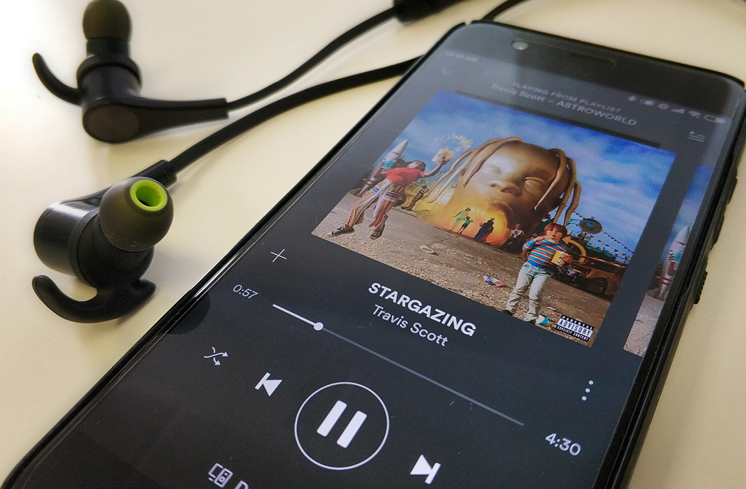 Automatically play Spotify music when you connect to a